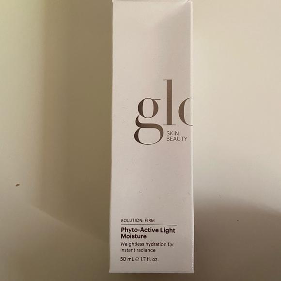 NEW Glo skin beauty phyto light moisturizer
